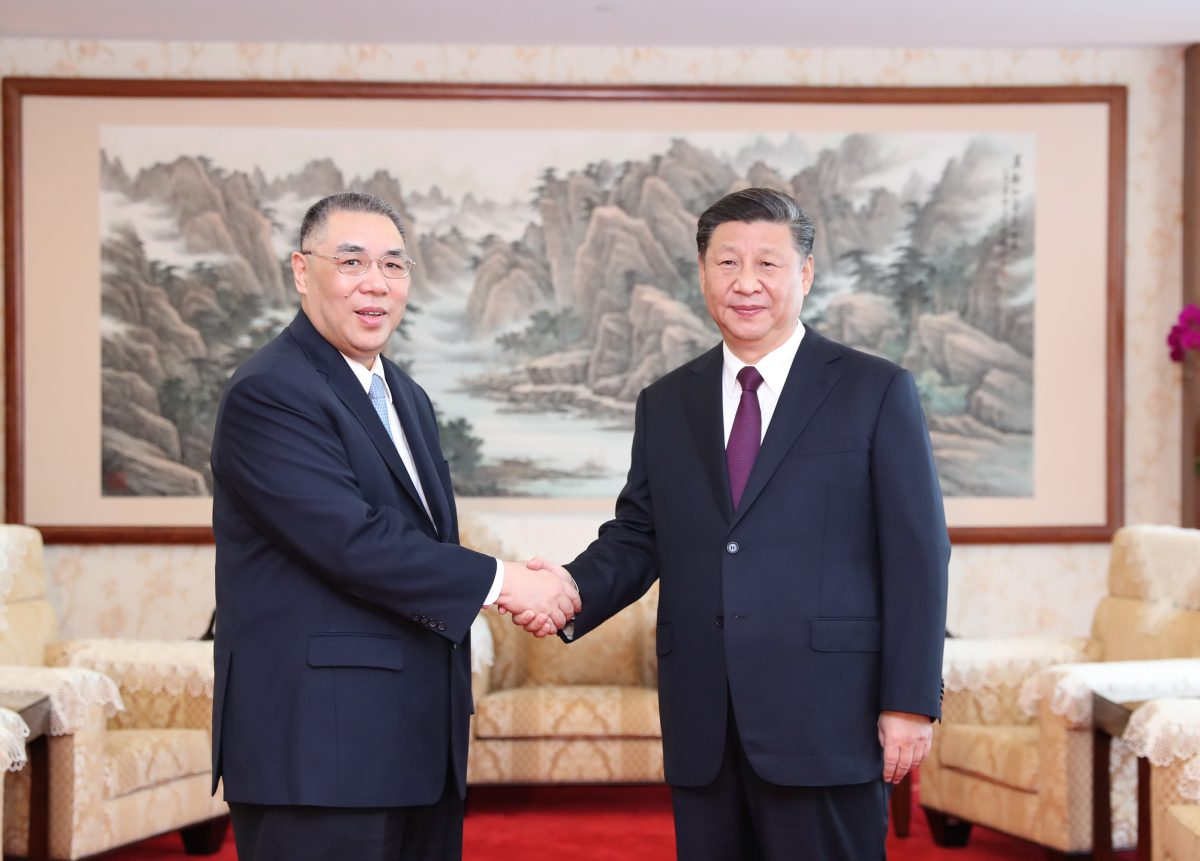 Xi praises Chui for 10 years of diligent work