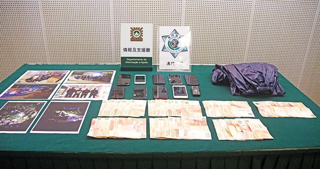 Macau-Zhuhai police,customs bust people-smuggling speedboat gang