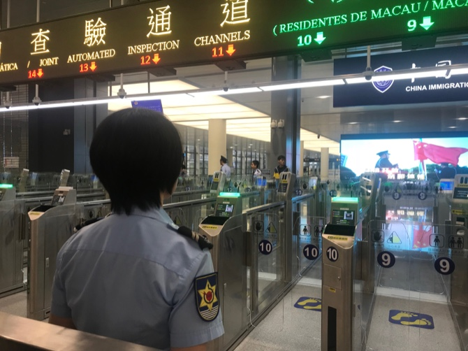 Macau government imposes 14-day quarantine on migrant workers