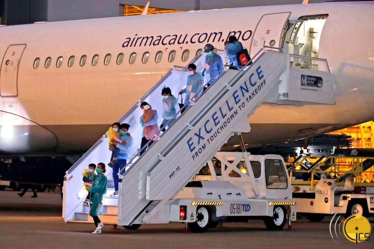 Charter flight evacuates 57 Macau residents from Hubei