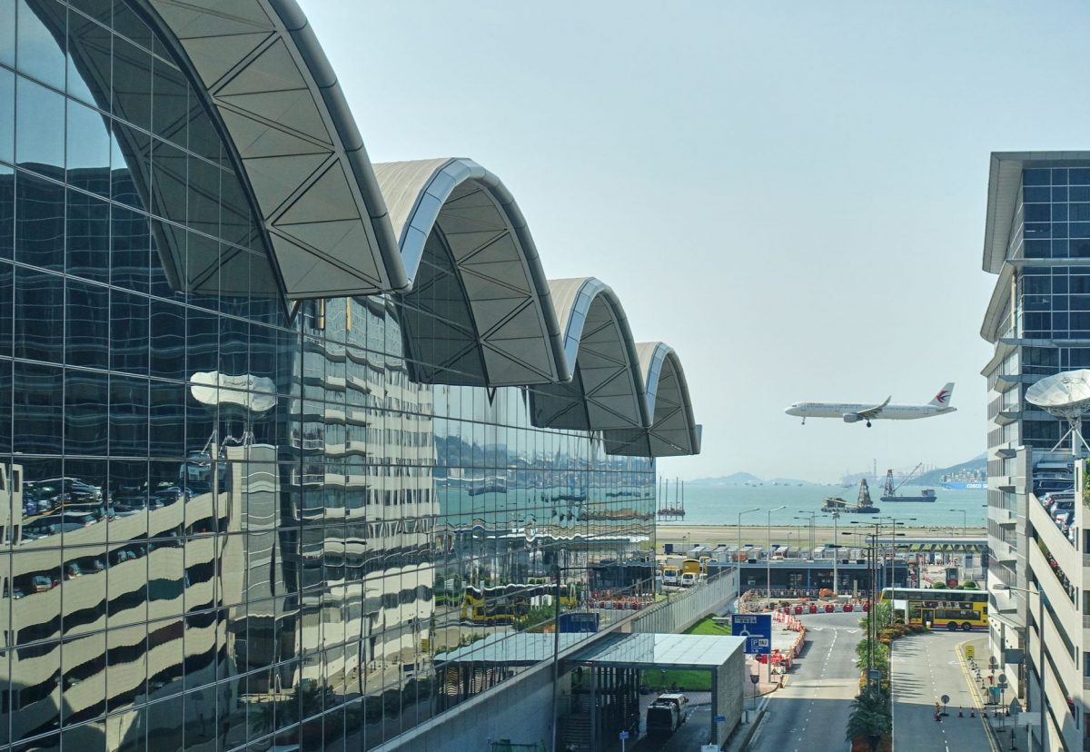 Plans to pick up Macao residents from Hong Kong airport