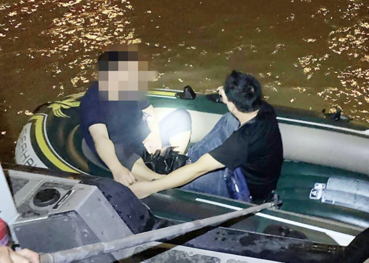 7 mainlanders nabbed in people-smuggling case, rubber dinghy seized