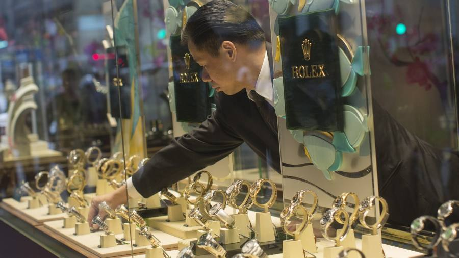 Gold jewellery imports fall 64% in H1