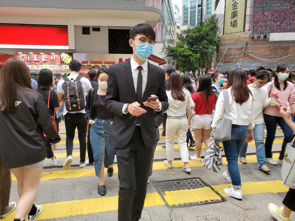 Hong Kong confirmed Sunday 72 news cases and five deaths