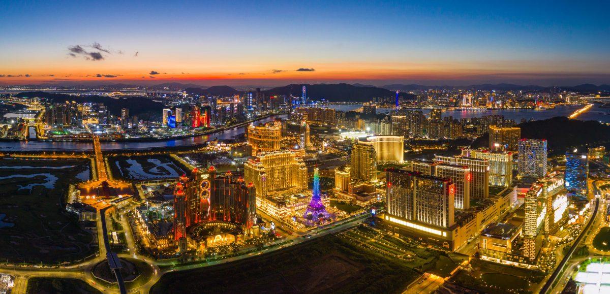 Casino staff earnings down 5.5% in June