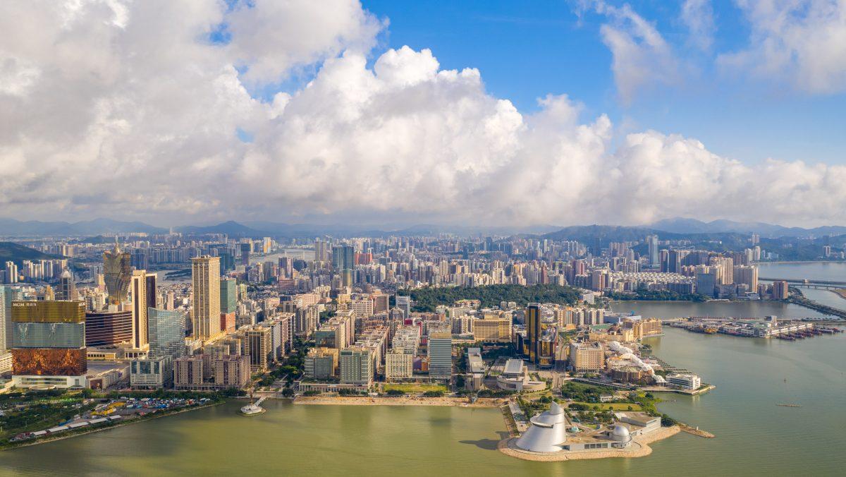 Hong Kong-Macao tax arrangement in force