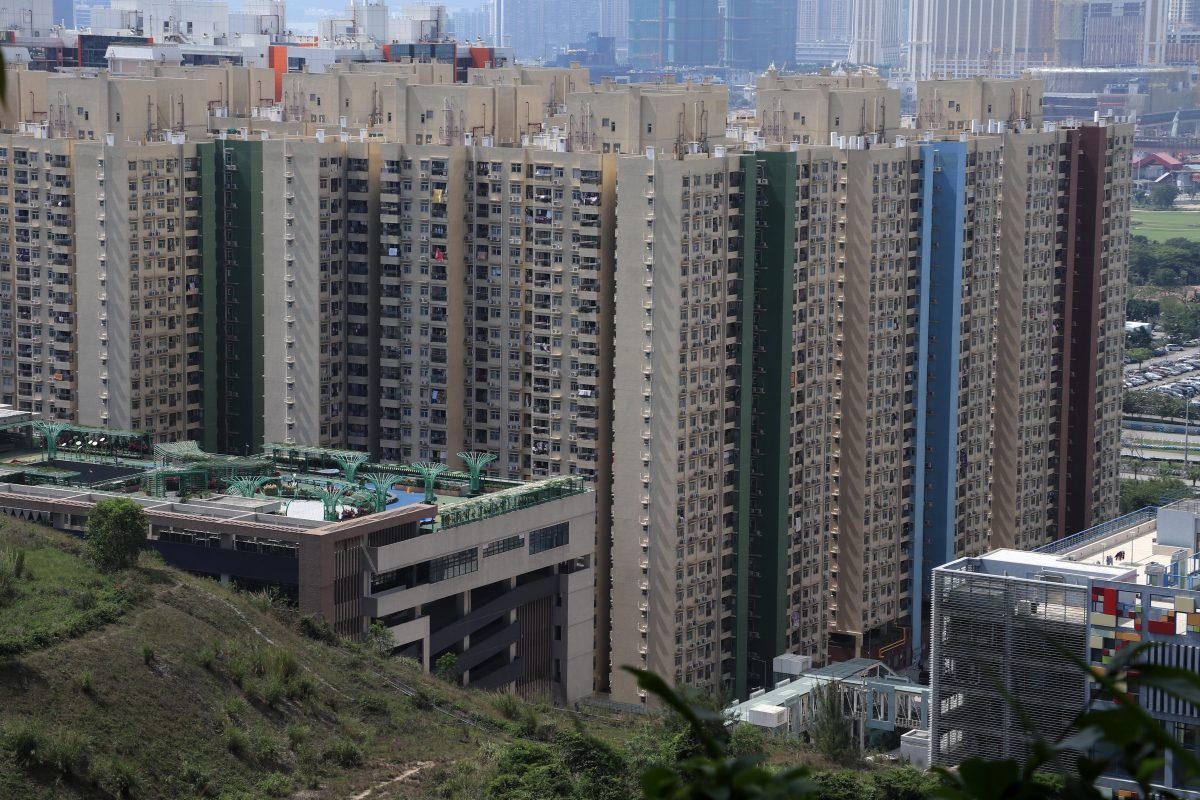 Government consults public on 'sandwich class' housing