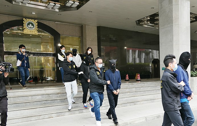 4 caught for using fake chips to defraud trio out of HK$4.9 million