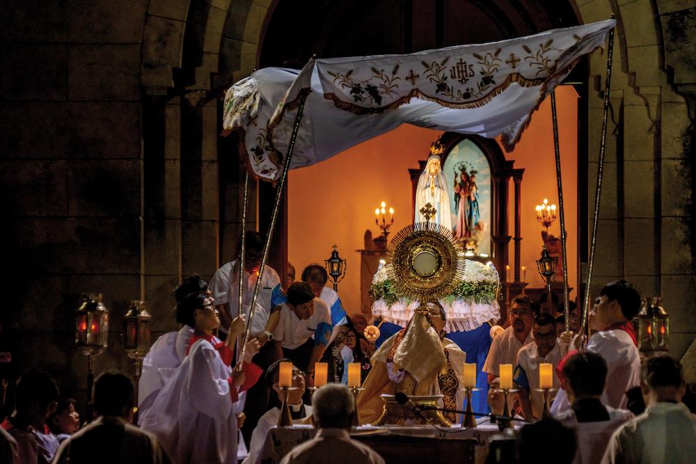 Procession of Our Lady of Fatima | Photo by Eduardo Martins