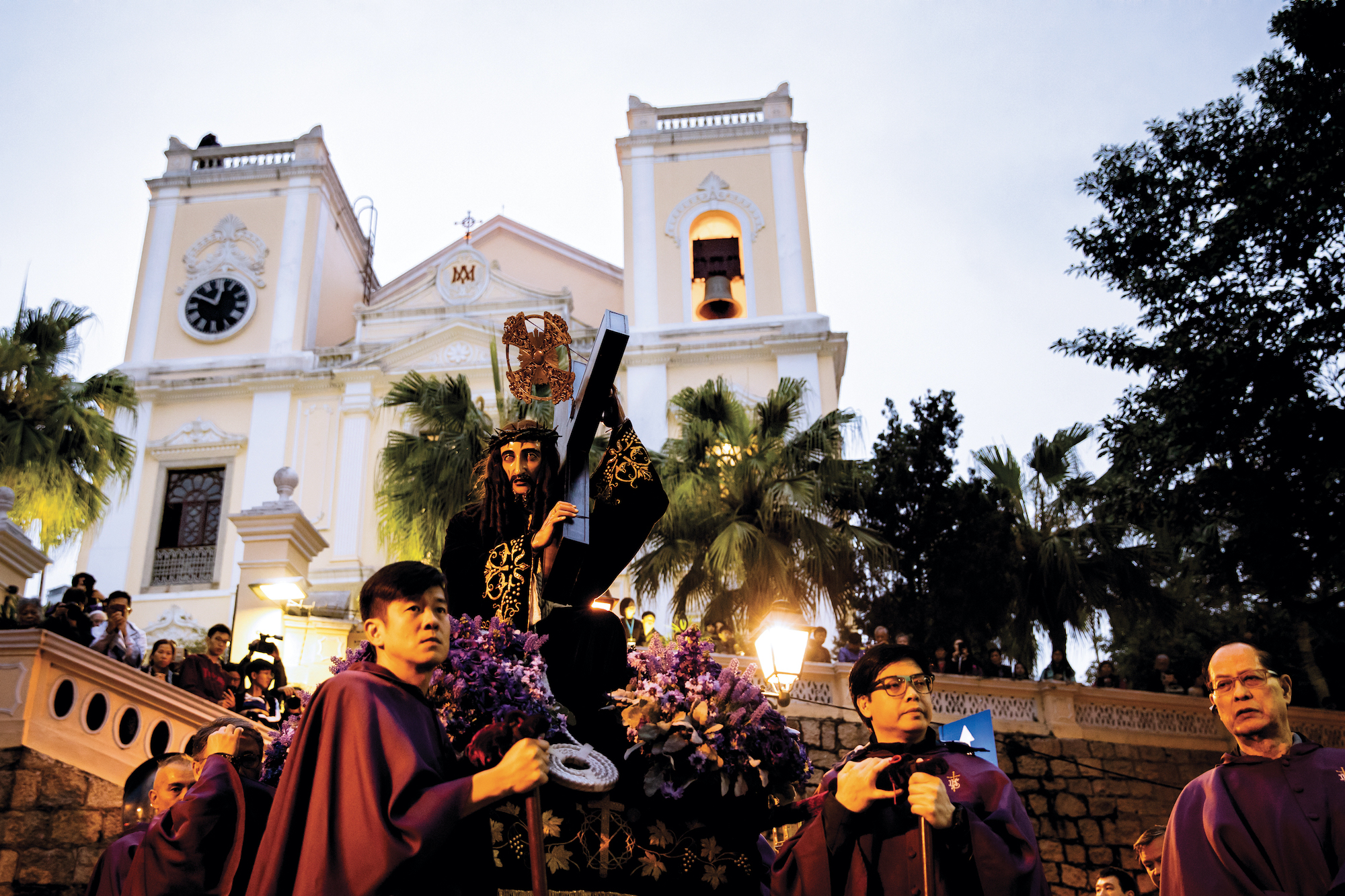 Procession of the Passion of Our Lord, the God Jesus | Photo by Eduardo Martins