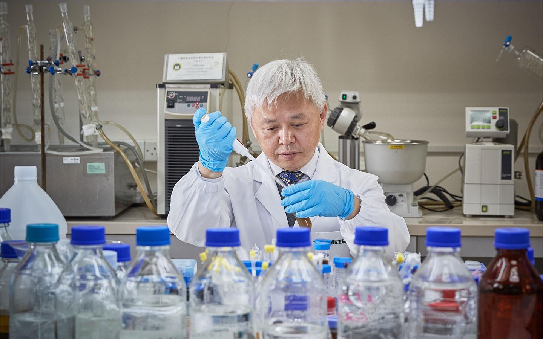 Dr Zhou Hua
