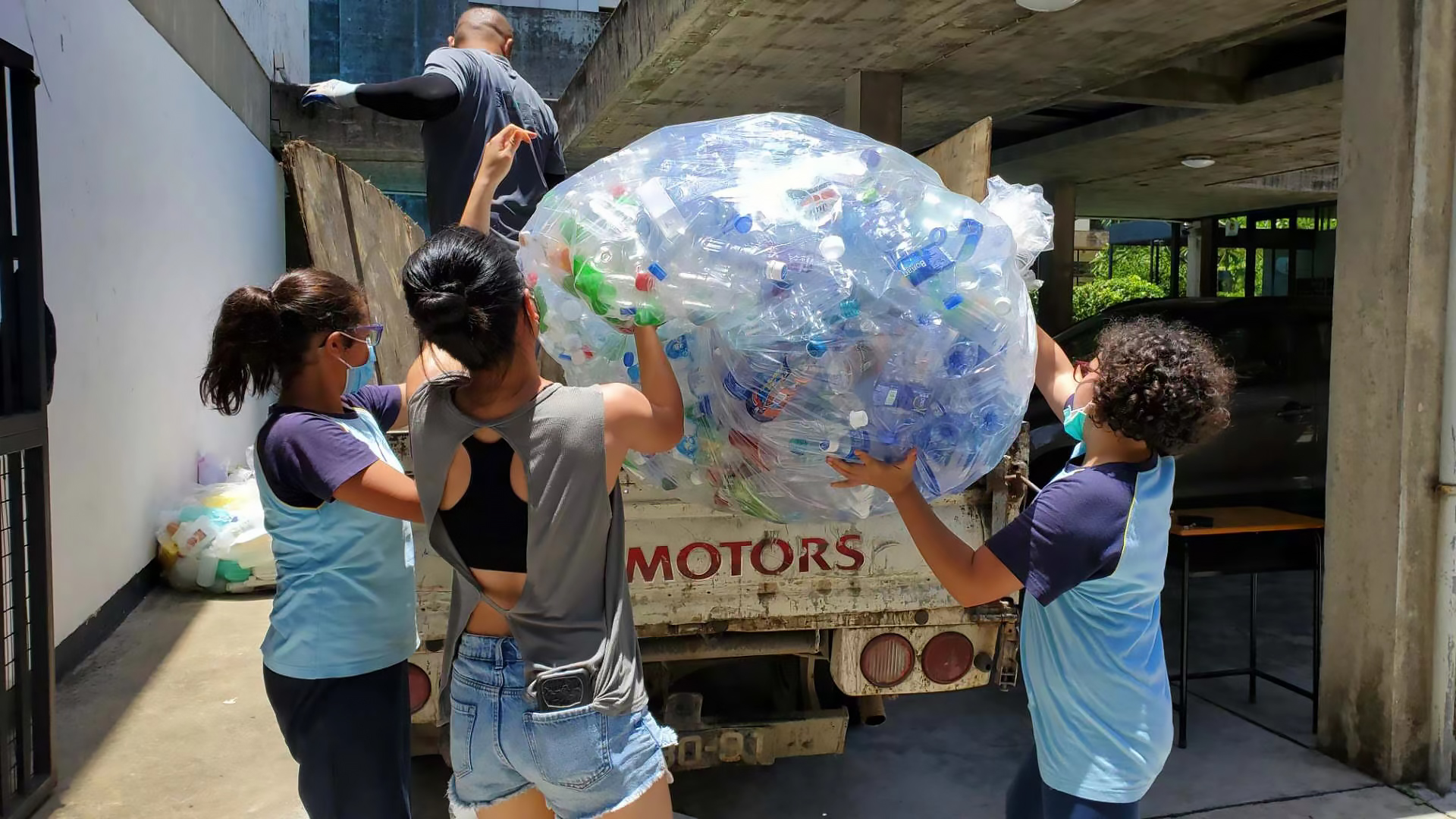 Macau for Waste Reduction - PET bottles are among the most common plastic materials that Macau for Waste Reduction collects at its events